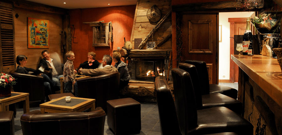 france_paradiski-ski-area_la-plagne_hotel_carline_bar_lounge.jpg